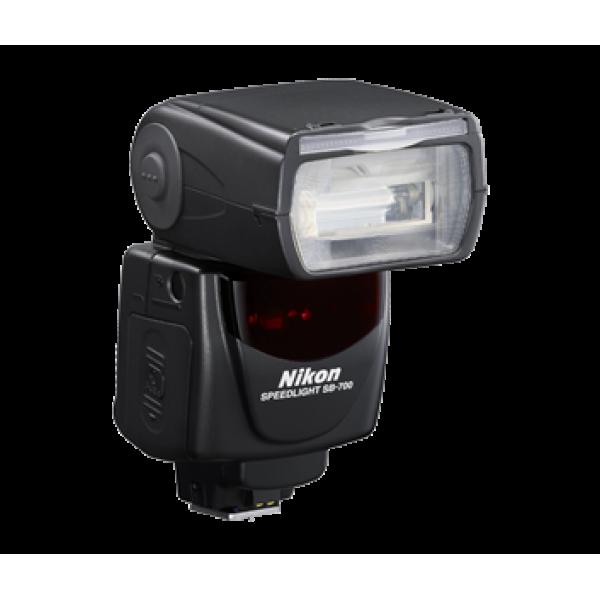 Flash Nikon SB-700 (Garantía Nikon España Finico...
